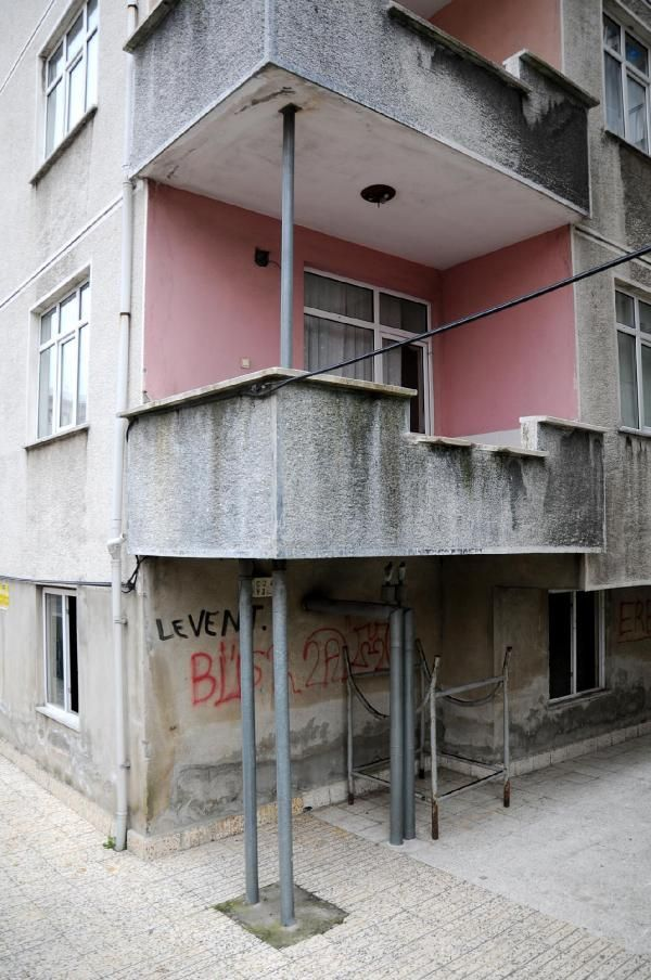 Rize'de eğimli binalar