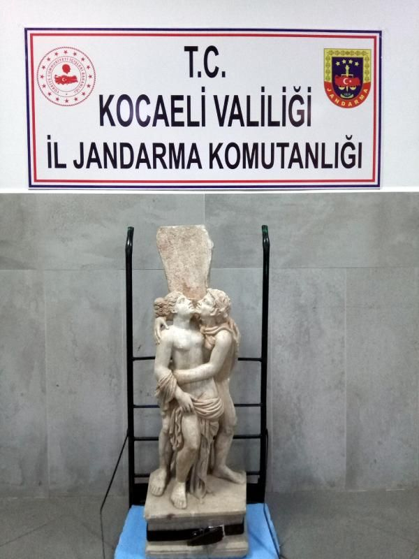 1.7 milyonluk heykeli satmaya çalışırken yakalandı