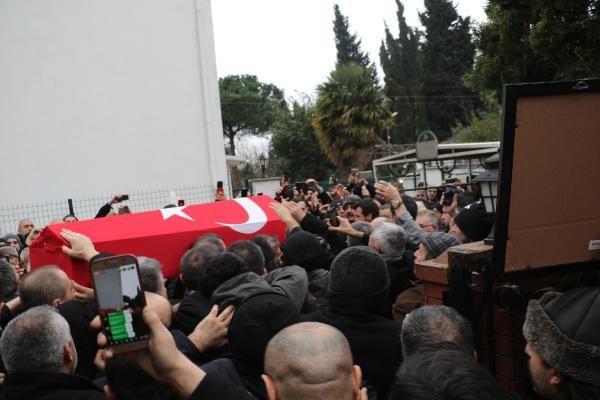 Ozan Arif'in cenazesi evine getirilip helallik alındı