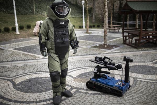 Yerli bomba imha robotu Ertuğrul görev başında