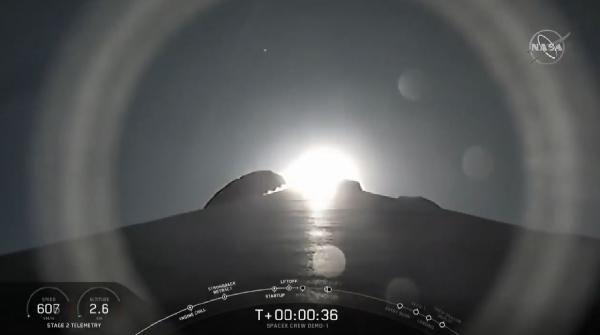 SpaceX, Crew Dragon'un test uçuşunu gerçekleştirdi