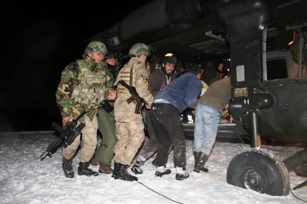8'inci çocuğuna hamile kadın helikopterle hastaneye kaldırıldı