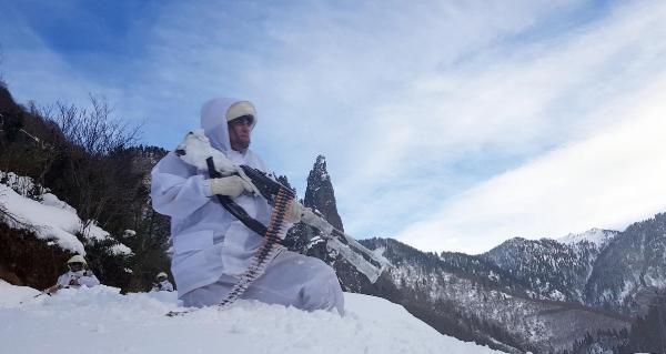 Gümüşhane'de, PKK'lı teröristlerin deposu bulundu