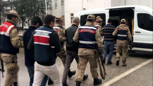 Çocukları terör kamplarına götüren 2 kişi tutuklandı
