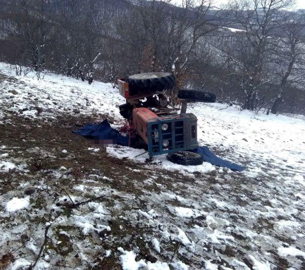 Traktörün altında kalan 2 çiftçi de öldü