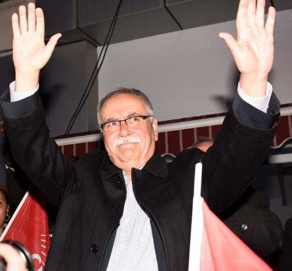 Çanakkale'de CHP'li Ülgür Gökhan 4'üncü kez kazandı