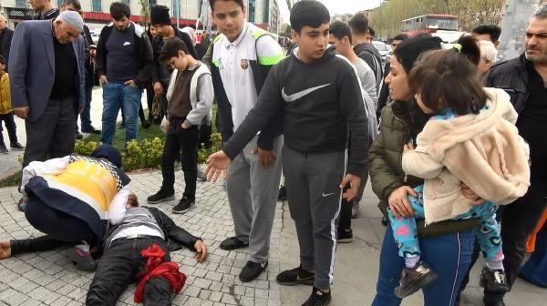 Sultangazi'de karısını döven kişiyi bıçakladılar