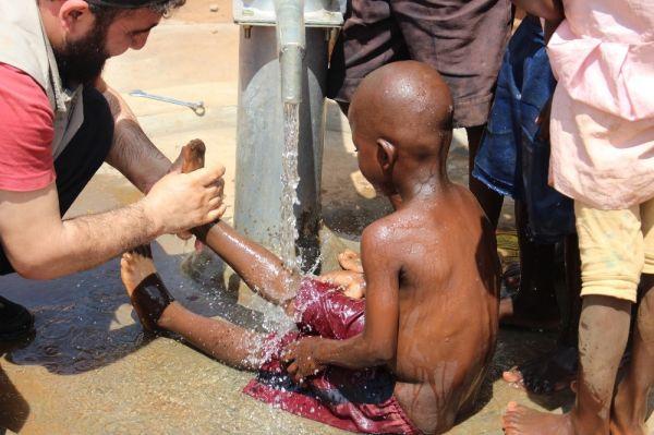 Afrika'da su kuyuları halkın yüzünü güldürdü