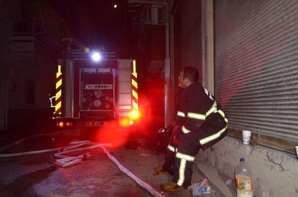 Adana'da yangın: Bir ev kullanılamaz hale geldi