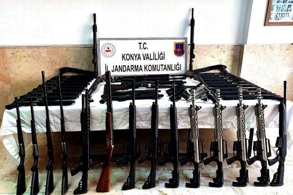 Konya'da 140 ruhsatsız av tüfeği ele geçirildi