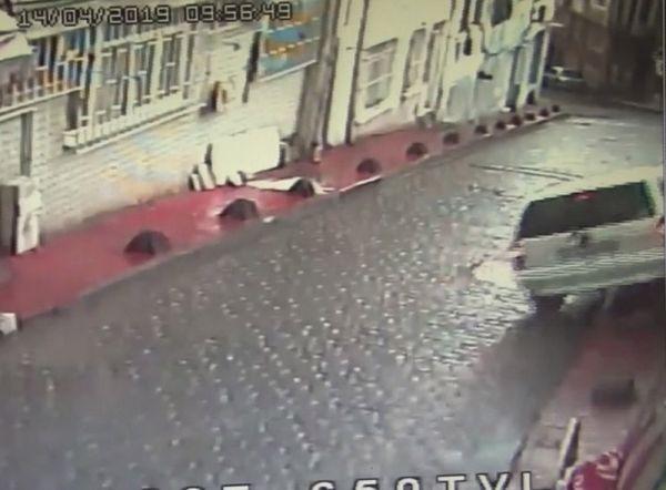Freni patlayan otomobil sürücüsü ölümden döndü