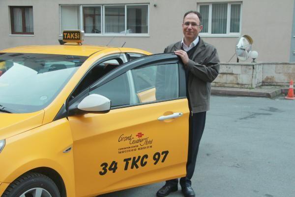 Taksisinde unutulan 30 bin euroyu sahibine ulaştırdı