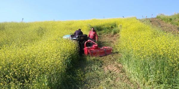 Manisa'da bir kişi traktörün altında kaldı
