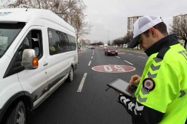 81 ilde, 647 okul servisi trafikten men edildi