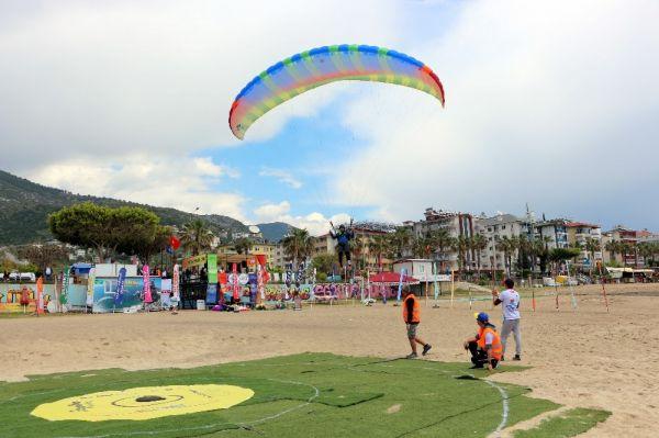 Antalya semalarında paraşütlü dünya şampiyonası