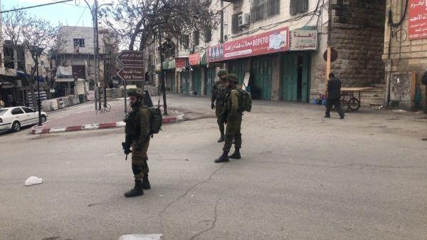 İsrail ordusu bayram için El Halil'de ana caddeyi kapattı