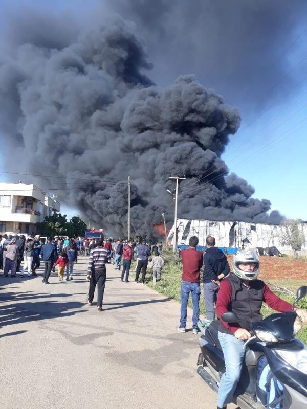 Antalya'da bidon üretim fabrikasında yangın