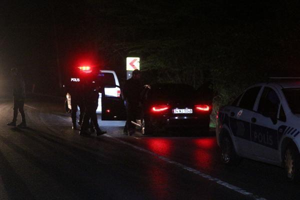 Sarıyer'de otomobil polis aracına çarptı