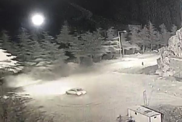 Karda drift yapan sürücü suçüstü yakalandı