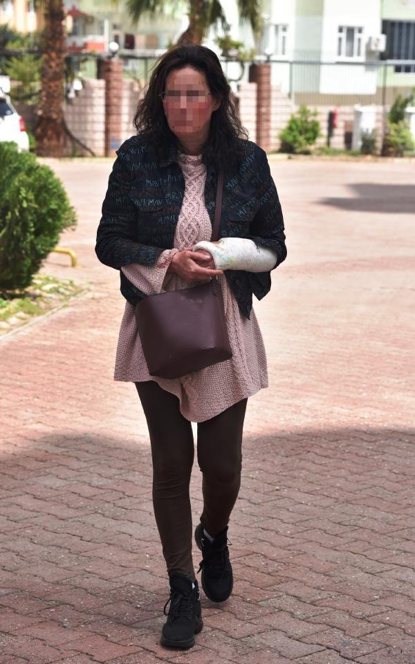 Rus asıllı kadın erkek arkadaşını bıçakladı