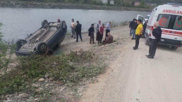Karabük'teki kazada araç ters döndü: 2 yaralı
