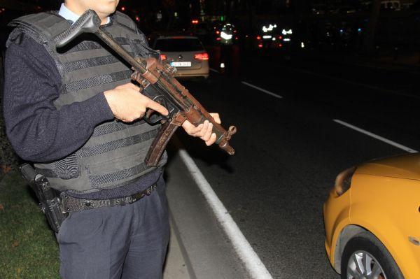 Sokak operasyonlarında 20 kilo uyuşturucu ele geçirildi