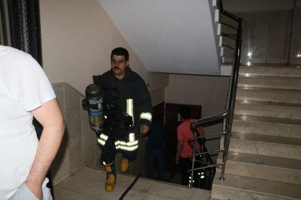 Adana'da ilkokulda korkutan yangın