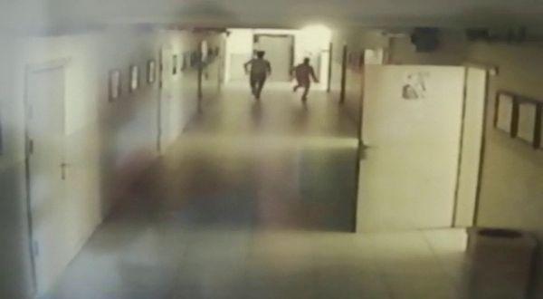 Mersin'de bir çocuk okulun asansör boşluğuna düştü