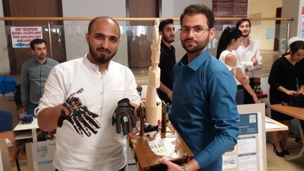 Suriyeli 2 üniversitelinin Robotik Yürüyen El projesi