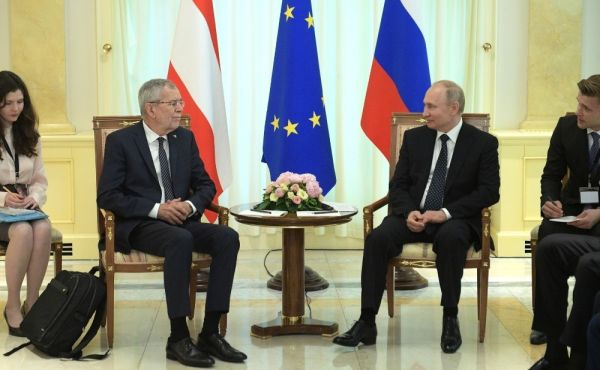 Putin ve Avusturya Cumhurbaşkanı Bellen bir araya geldi