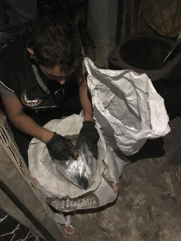 Adana'da soba ve valiz içinde 11 kilo esrar bulundu