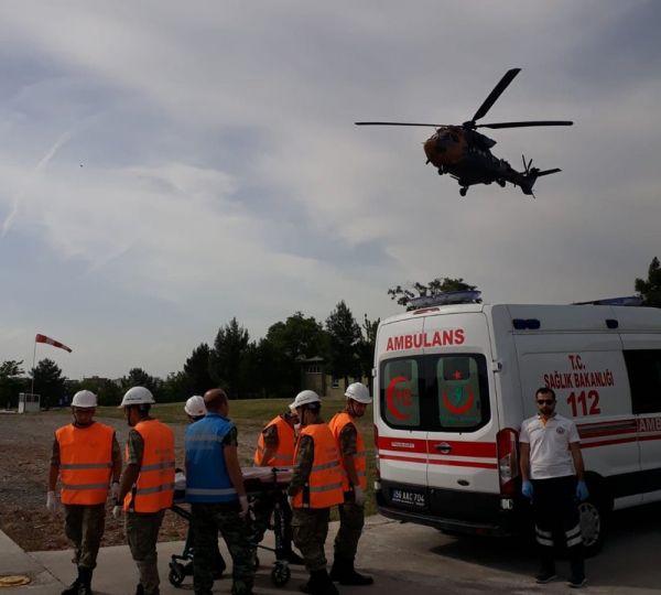 Askeri helikopter, yaralı Siirtli çocuk için havalandı