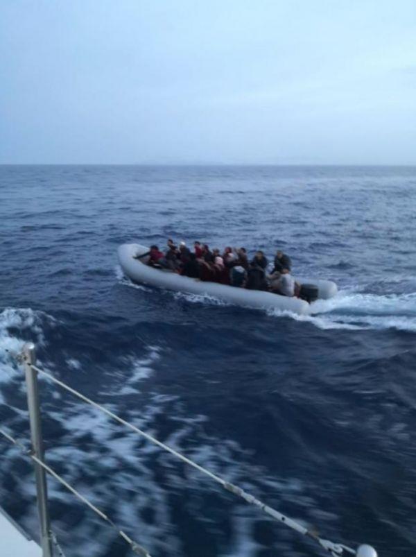Kuşadası ve Didim'de 59 kaçak göçmen yakalandı
