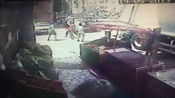 Bursa'da 14 yaşındaki genç kalbinden bıçaklandı