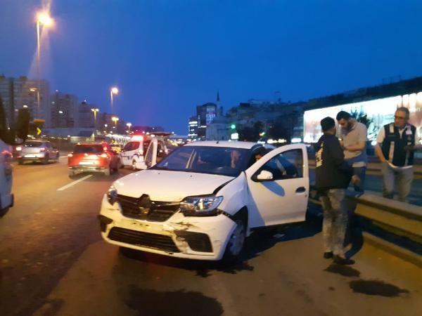 İstanbul'da yarım saat arayla iki kaza yaptı: 2 kişiyi yaraladı
