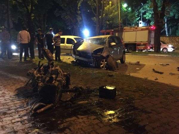 Sahura yetişmeye çalışan sürücü kaza yaptı