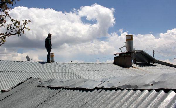 Erzincan'da telefon çekmeyen köyde ilginç çözüm