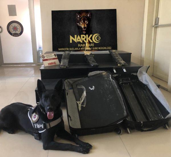 Yüksekova'daki havalimanında uyuşturucu yakalandı