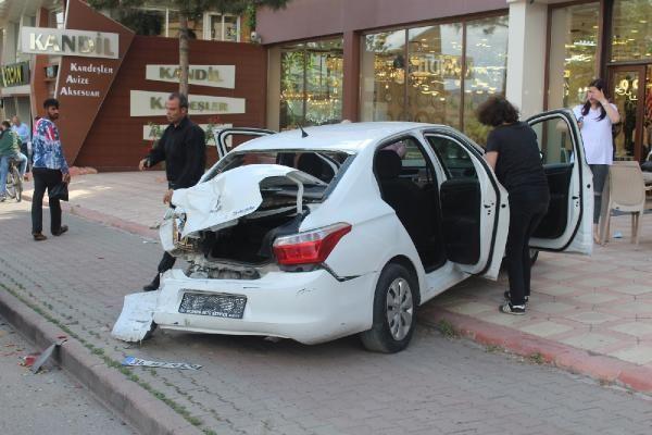 Sivas'ta zincirleme kazada yayalar zor kurtuldu