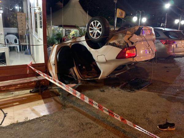 Sancaktepe'de otomobil takla attı: Biri ağır, 2 yaralı