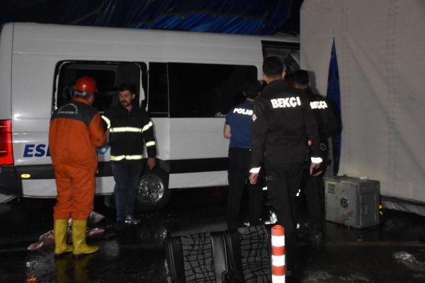 Kırıkkale'de kaza: 2 ölü 17 yaralı