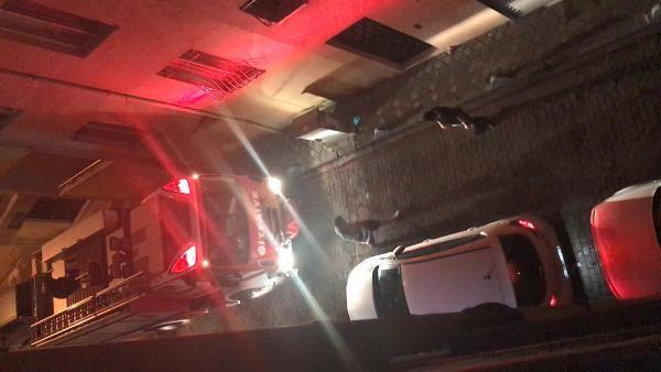 Yangına yetişmeye çalışan itfaiye otomobillere takıldı