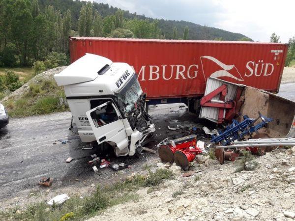 Kütahya'da trafik kazası: 1 ölü 1 yaralı