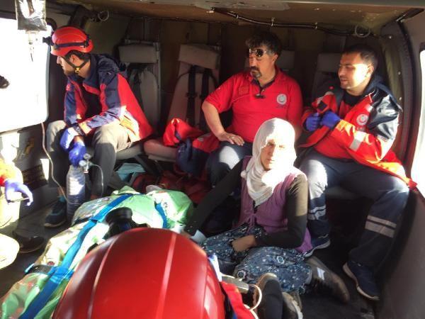 Yaylada yıldırım isabet eden 2 kişi kurtarıldı