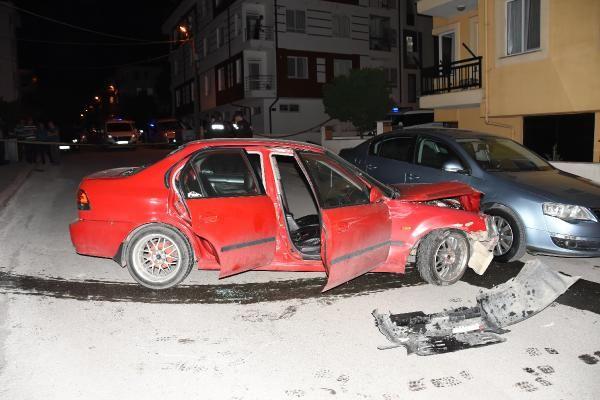 Otomobil direksiyonunda başından vurulmuş halde bulundu