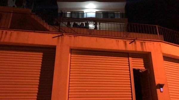 Villasında alkol aldığı arkadaşını öldürdü