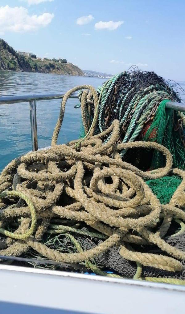 Marmara Denizi'nde trol ağlara ele geçti