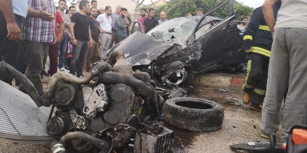 Ehliyetsiz sürücü kendisiyle birlikte 5 kişiyi yaraladı
