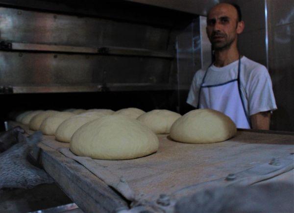 Ucuz ekmek satmakla suçlanan fırıncı