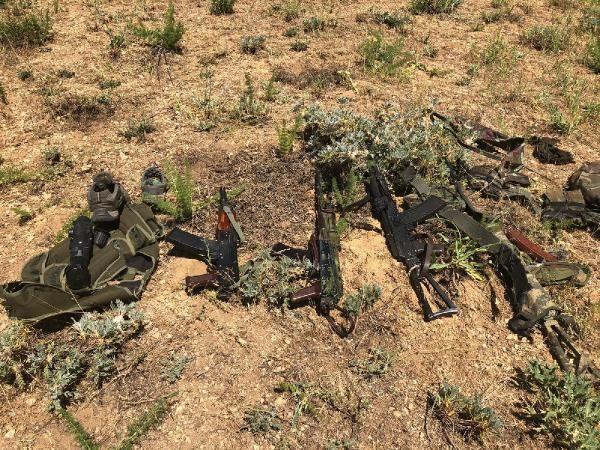 4 teröristin öldürüldüğü operasyonda mühimmatlar ele geçirildi